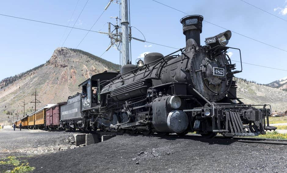 Coal rails damaged by cyclone Debbie; Energy markets reacting