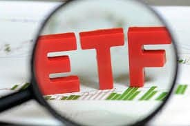 January's Colder U.S. Risks? Contrasting Studies & How to Trade ETFs.
